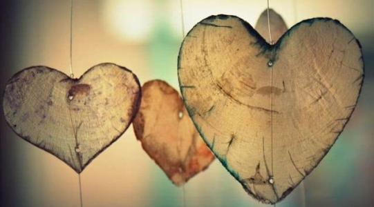 爱一个人是什么感觉?当真正爱一个人的表现